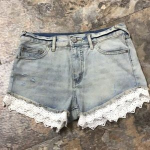 Free people jean shorts with lace trim size 26